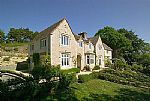 A beautifully presented country house in Wareham positioned with magnificent views overlooking Poole Harbour